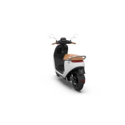 Segway E125S eScooter Arctic White 25km/h tot 140km actieradius* - rijklaar