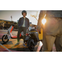 Segway e-scooter B110S tot 105km actieradius*